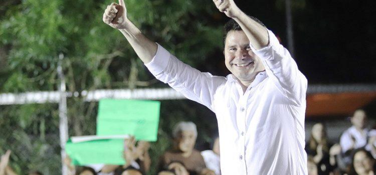 Se reencuentra Sahuí Rivero con militantes de Mérida