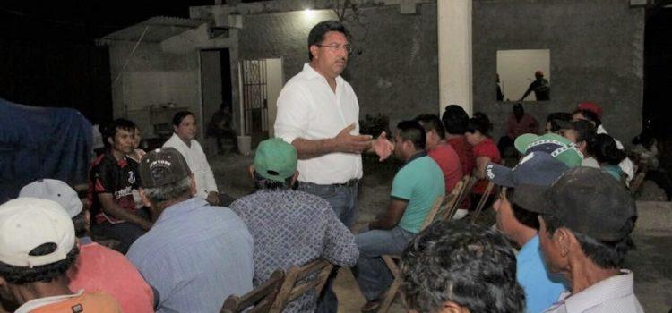 Juan José Canul se reúne con citricultores de Oxkutzcab y Maní
