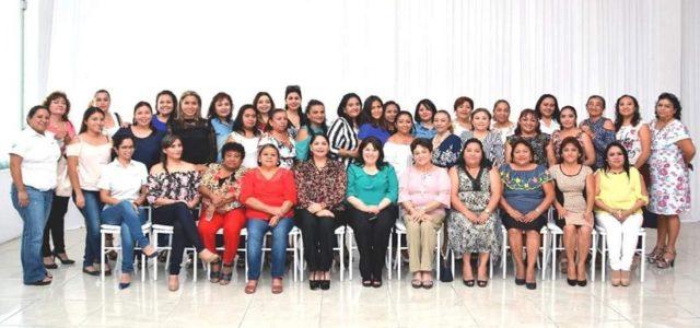 Festejan a las mamás del Congreso de Yucatán