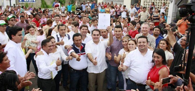 Vidal Peniche, el político más rentable