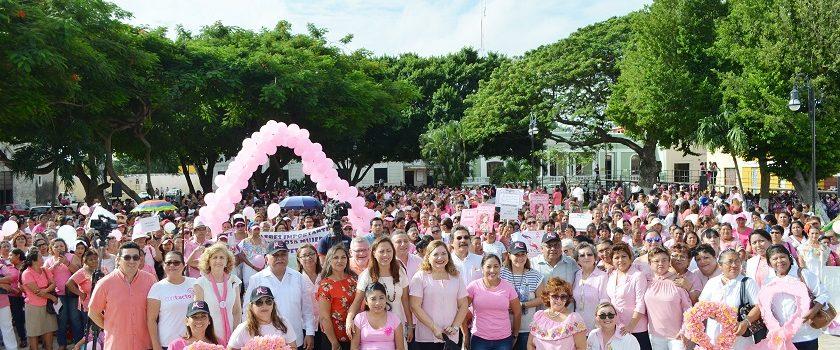 Marchan por el Día de la Lucha Contra el Cáncer de Mama