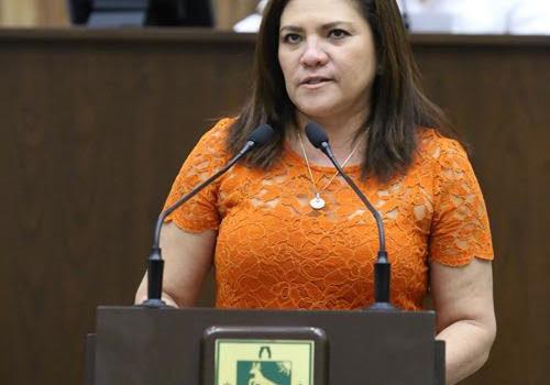Rosa Adriana Díaz Lizama propone cambios a la ley del Insejupy