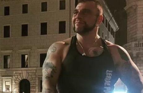 'Hulk italiano' detenido, habría rociado ácido a su exnovia