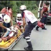 Joven a punto de perder una pierna en accidente carretero