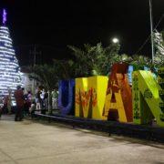 Llega la navidad a Umán, con el encendido del árbol