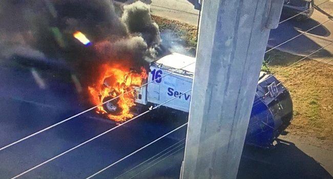 Se incendia camión de basura en el periférico