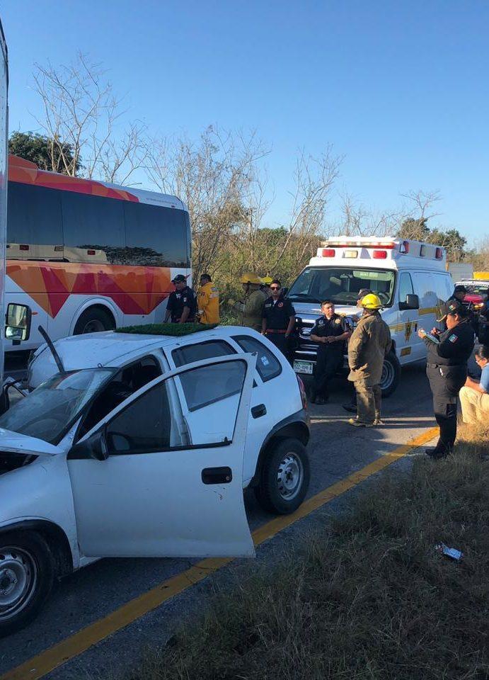 Accidente carretero, deja hospitalizados