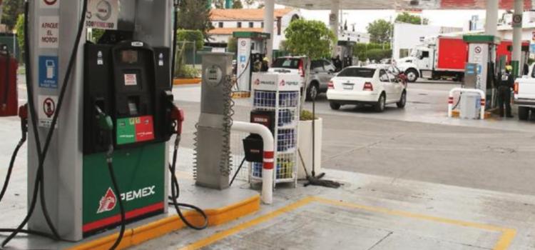 Gasolina más barata en la frontera norte