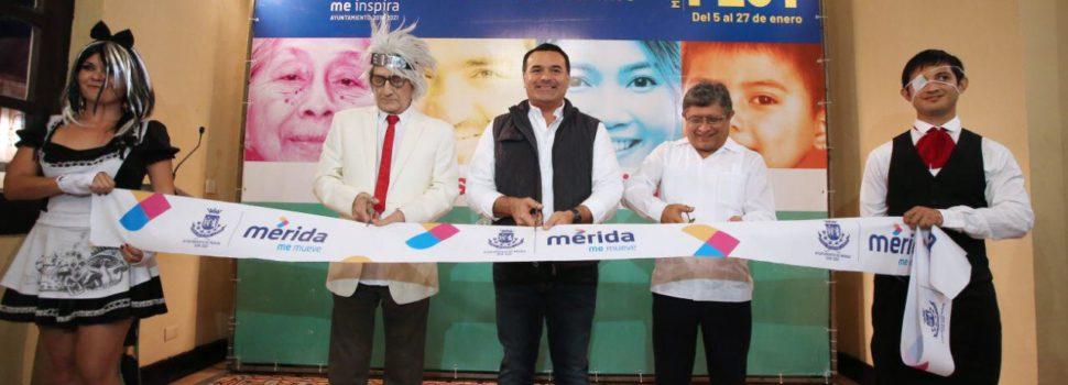 """El alcalde Renán Barrera inaugura la exposición """"Games"""" del pintor Ariel Guzmán"""