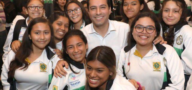 """Gobernador Mauricio Vila Dosal anuncia rehabilitación del estadio """"General Salvador Alvarado"""""""