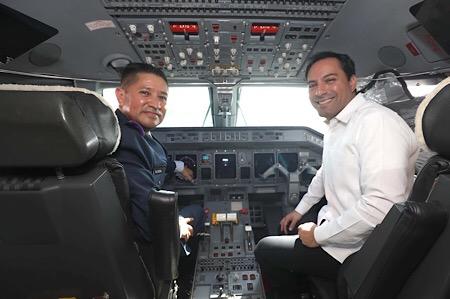 Vila reconoce a la Fuerza Aérea Mexicana