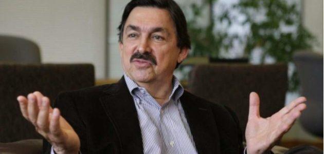 Napoleón Gómez Urrutia crea su propia central obrera