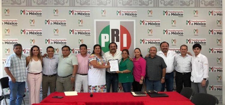 Aspirantes a la presidencia estatal del PRI Yucatán, firman Pacto de Civilidad