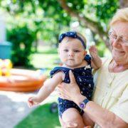 Sin permiso de la madre, suegra cambia nombre del bebé