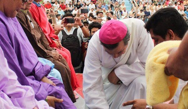 Cereso de Mérida celebra la misa de lavatorio de pies