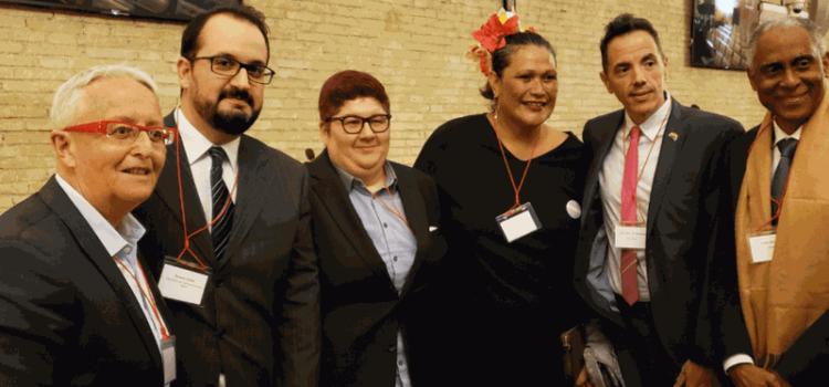 Histórico, Vaticano recibe a la comunidad gay por primera vez