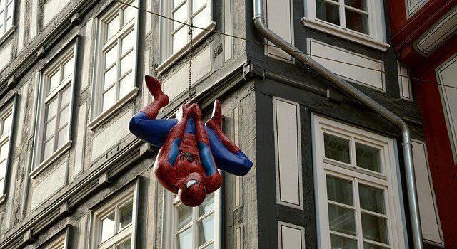 Muere Alvin Sargent, guionista de Spider-Man