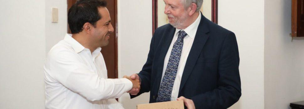 El gobernador Mauricio Vila y el titular de la CNDH reunidos en Mérida