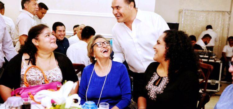 Renán Barrera sostiene encuentro con más de 170 maestros encargados de academias, cursos y talleres municipales