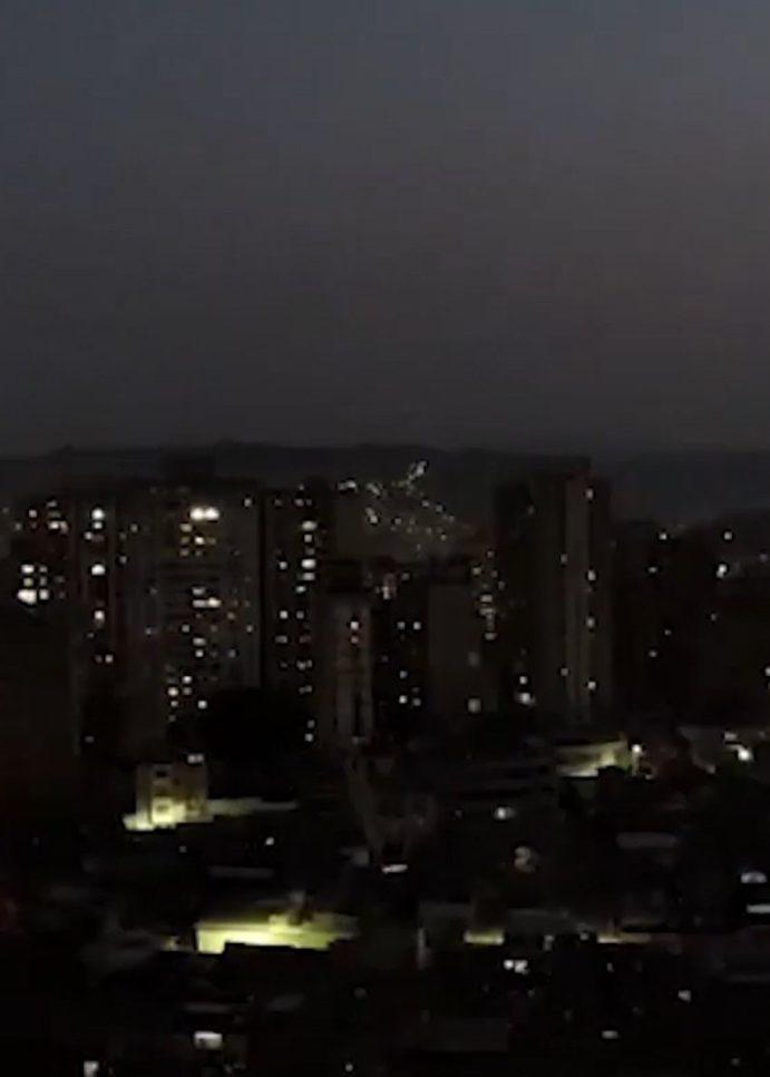 Falla en sistema, deja sin luz a Argentina y Uruguay