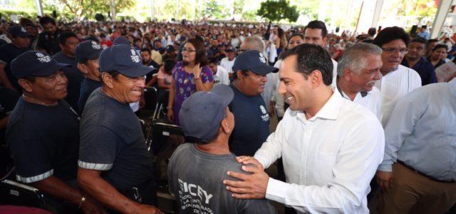 Trabajadores del Gobierno del Estado, pieza fundamental para transformar a Yucatán: Mauricio Vila
