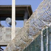 Motín en cárcel brasileña deja 52 reos muertos; 16 fueron decapitados