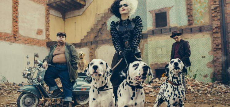 Disney revela primera imagen de Emma Stone como 'Cruella'