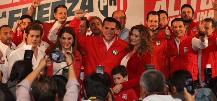 Alito agradece el voto de los priistas de Yucatán