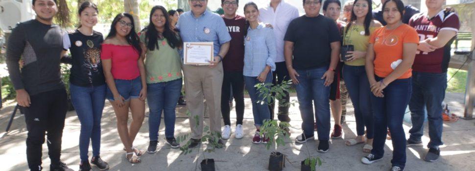 Ramírez Marín apoya la creación de santuarios de las abejas