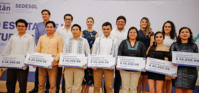 Innovación y compromiso social destacan en proyectos de jóvenes de Yucatán