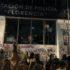 Feministas no marcharon con civilidad incendian estación de policía y causan destrozos en la CDMX