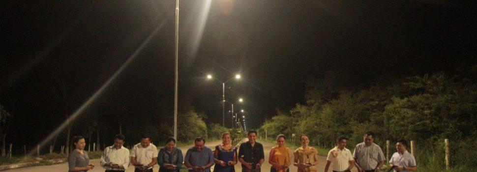 Ayuntamiento de Tekax entrega trabajos de alumbrado público que ahorran energía eléctrica