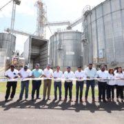 Gobernador Mauricio Vila entrega apoyos de vivienda, salud y para el sector ganadero en el interior del estado