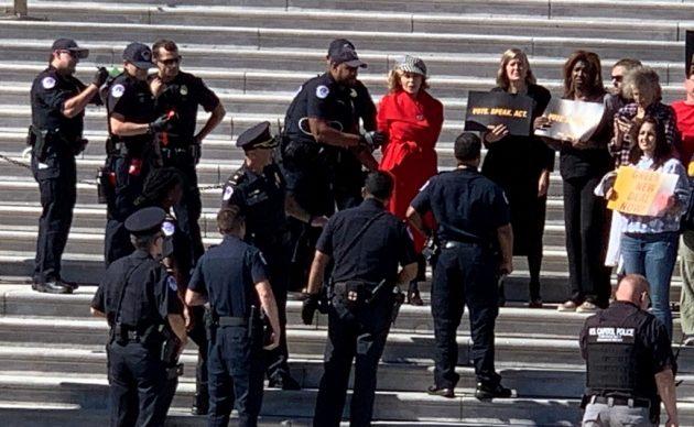 Jane Fonda es arrestada en el Capitolio