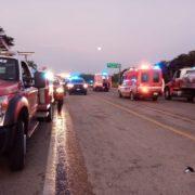 Seis muertos y varios heridos al chocar ambulancia de traslado y tráiler en la carretera Mérida-Motul