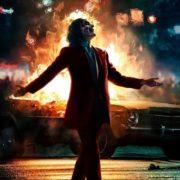 La podredumbre moral que lleva a Joker, un demente diagnosticado, a ser visto como un héroe…