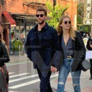 Liam Hemsworth, de la mano con la actriz Maddison Brown en Nueva York