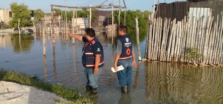 Gobierno de Yucatán atiende emergencia por el ingreso de agua en viviendas de Celestún