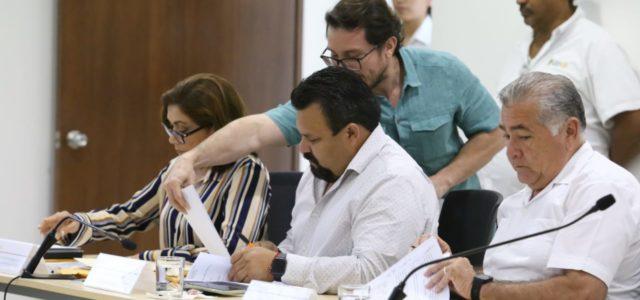 Aprueban en comisión paquetes fiscales de Mérida y otros 52 municipios
