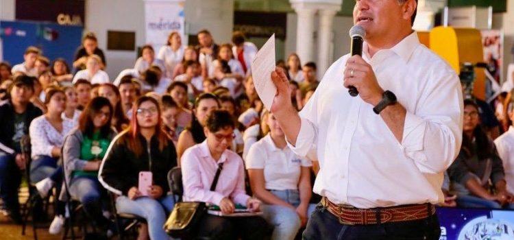 El alcalde Renán Barrera Concha reitera la invitación a los jóvenes a sumarse al trabajo comprometido por una mejor ciudad