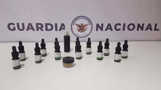Aseguran cristal y cannabis en aeropuerto de Mérida