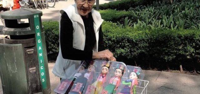 ¡100% mexicanas! Mujer vende muñecas artesanales llamadas 'Friditas'