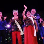 Coronan a los reyes Adulto Mayor y con Discapacidad Motriz e Intelectual del Carnaval de Mérida