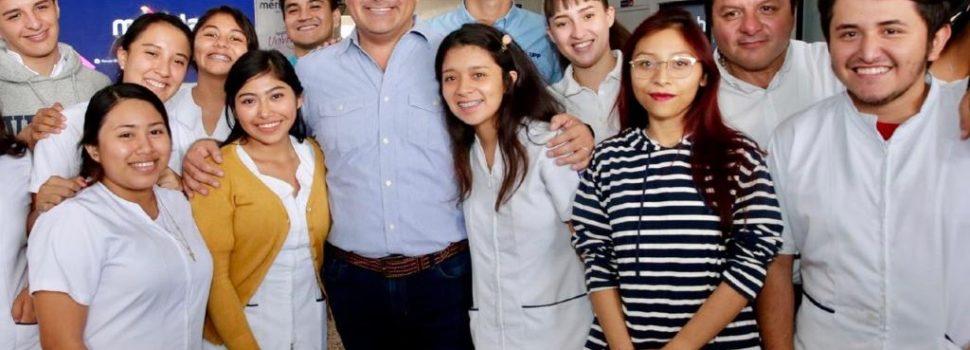 Renán Barrera contribuye a disminuir los índices de deserción escolar en el municipio