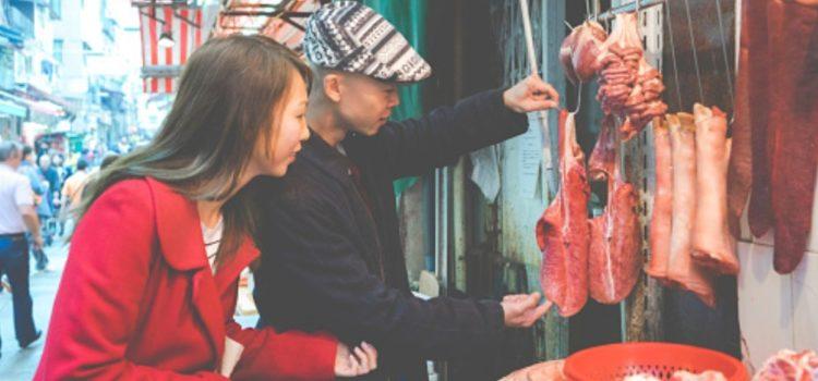 Ciudad china podría prohibir comer perros y gatos por coronavirus
