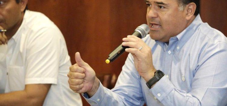 Los trámites y servicios en línea, una opción que contribuye a mantenerse en casa, señala el alcalde Renán Barrera