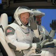 Clima pospone lanzamiento de astronautas de SpaceX