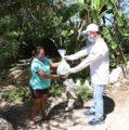 En Yaxkukul, familias recibieron la entrega de paquetes alimentarios