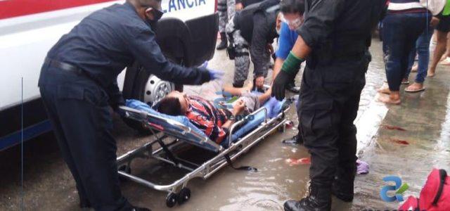 Riña de jóvenes termina con uno herido de gravedad y el otro en la cárcel