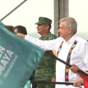 """Tren Maya, """"obra que llega en buen momento"""", dice AMLO en banderazo de tramo 3"""